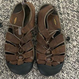 Brown leather waterproof  Keen sandals